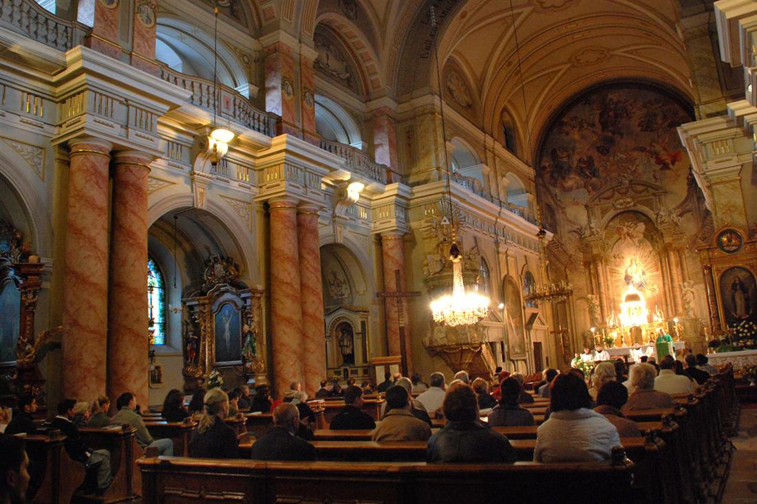 Римско католическая церковь фото 652-305